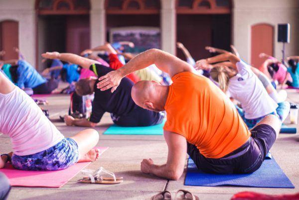 yogapose in yogaruimte